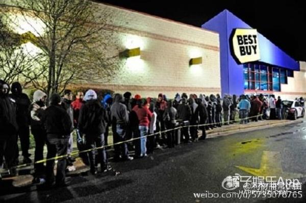 """双11算啥,国外""""黑色星期五""""剁手节都要把商场抢空了!"""