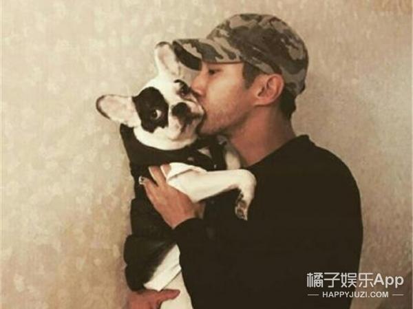 始源欧巴和他许久未见的Bugsy,从未如此想当一只狗!