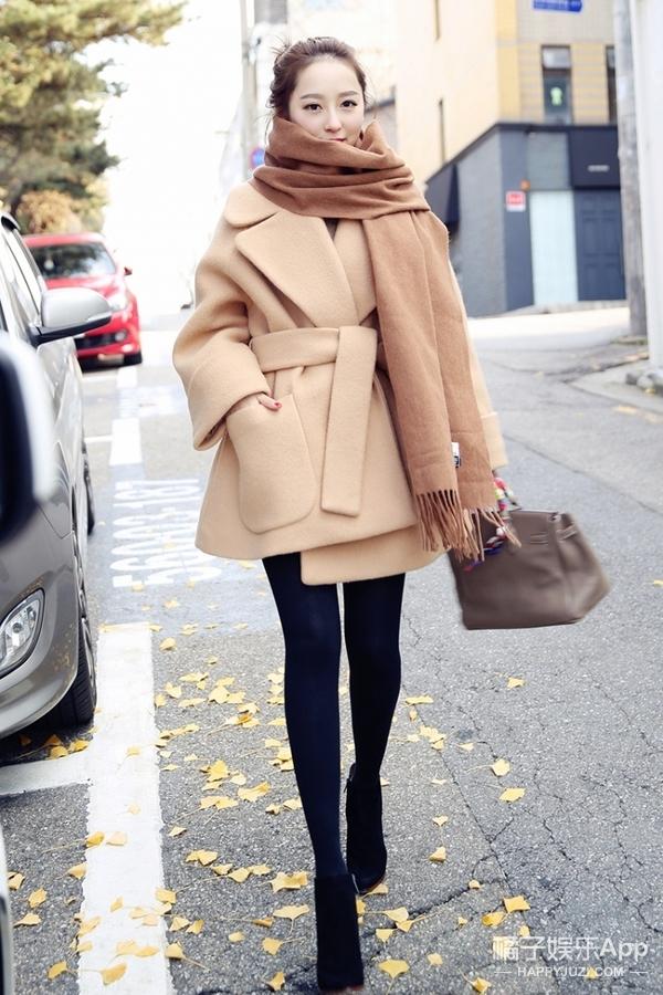 今天穿啥 | 翻领大衣,气质美女的最爱!