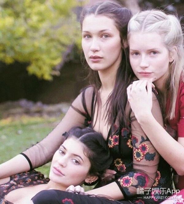 Gigi和金小妹的妹妹都拍大片了,家族基因是有多好