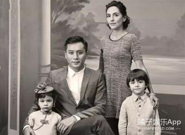 刘烨最新全家福来了!只是一家四口,依旧社长最丑...