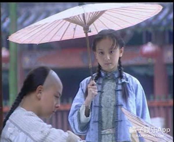 还记得《少年黄飞鸿》里的欧小倩吗,她生了个混血宝宝