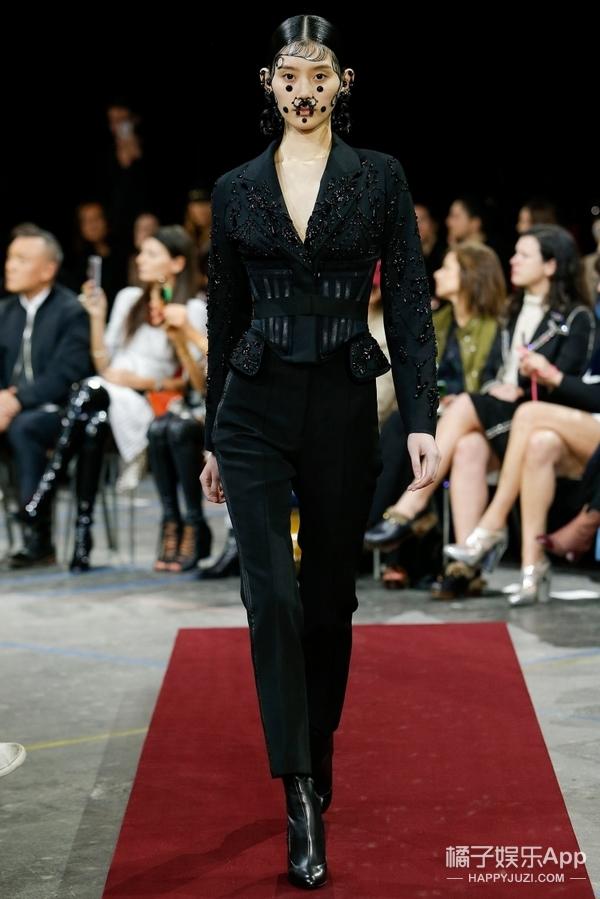 宋茜春春撞衫Givenchy,不过这回宋茜可把春哥这代言人给比下去了!