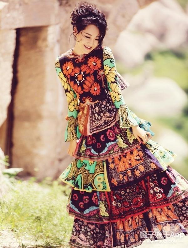 这条谁穿谁丑的裙子,许晴竟然把它穿美了!