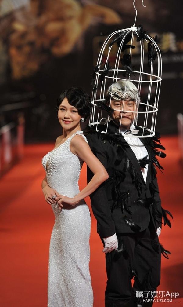 康永哥也去征战时装周了,看秀的时候他的肩头还会出现那只乌鸦吗?