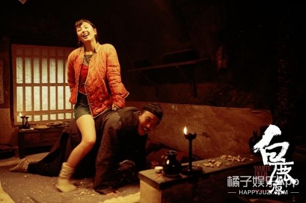 从清纯女老师,到最美女机长,春节档都让张雨绮承包啦!