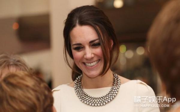 凯特王妃竟然也戴30美元的首饰,终于有买得起的王妃同款了!