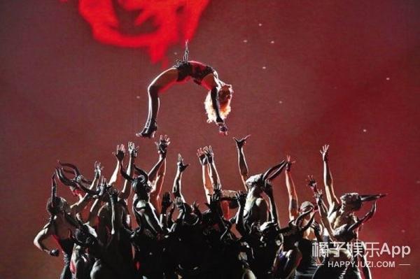 麦当娜亚洲巡演开唱:就算这是我的命运,我也要反抗到底!