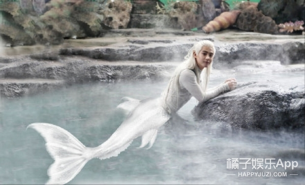 """邓超发了张最美锦鲤图,却被大家说成""""下水道美人鱼"""""""