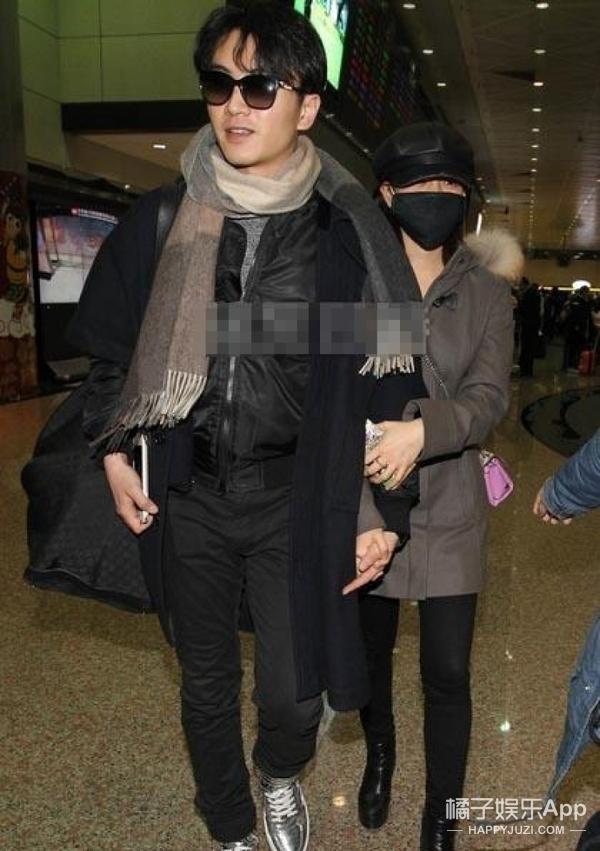 幸福!陈妍希机场默默等陈晓,领他见完父母见闺蜜