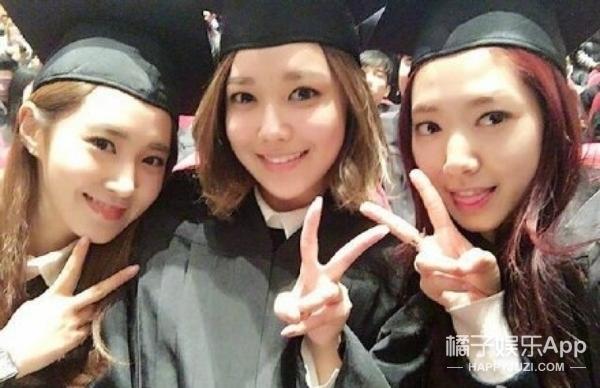 朴信惠秀英Yuri晒毕业照,原来欧尼们才毕业!