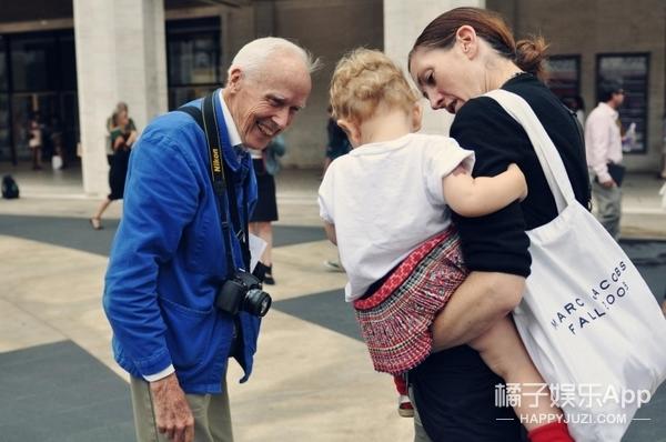 橘子独家 | 86岁街拍鼻祖:所有明星名流盛装打扮,只为被他拍照