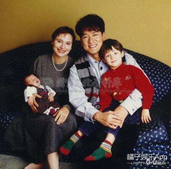 周华健25岁混血儿子曝光,有没有被帅一脸血?