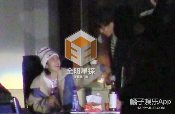 """吃烧烤、同一房间,这周的""""周三见""""曝光了一对小情侣:唐艺昕&张若昀"""
