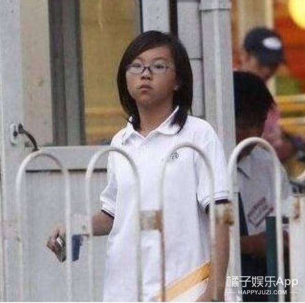 黄毅清别担心你女儿丑了,你看窦靖童、甜馨不全女大十八变吗?