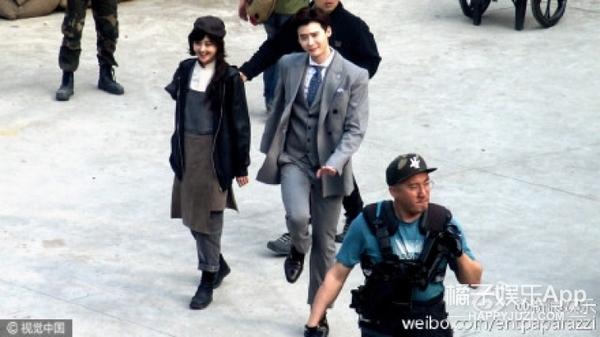 如果爽爸看到郑爽和李钟硕在一起的样子...会很开心吧
