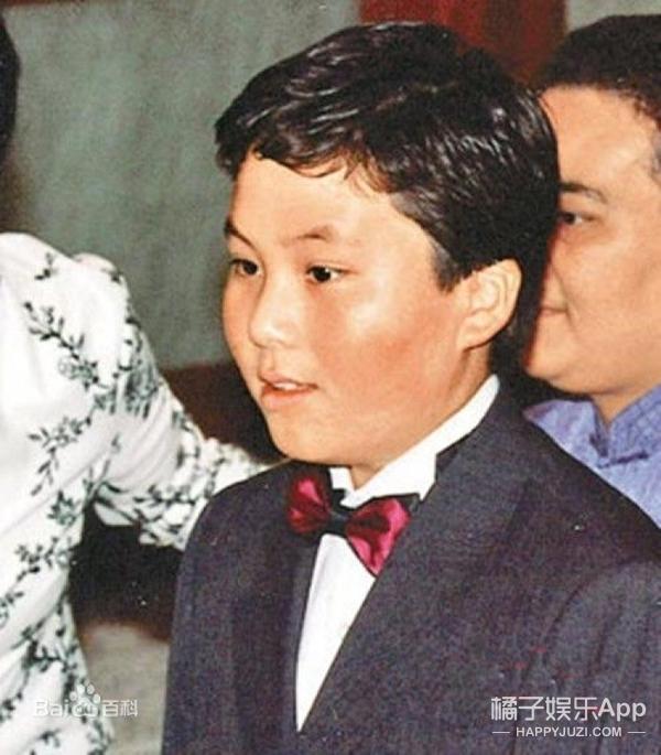 有的成为香港女首富,有的靠脚底按摩为生,赌王何鸿燊的17个孩子都在干啥?