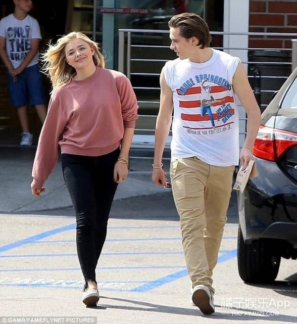 布鲁克林和科洛恋爱的日常甜甜甜,看看人家的17岁