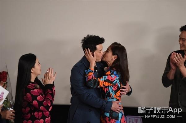 李湘自曝曾收9999朵玫瑰,想不到你是这样的王岳伦!