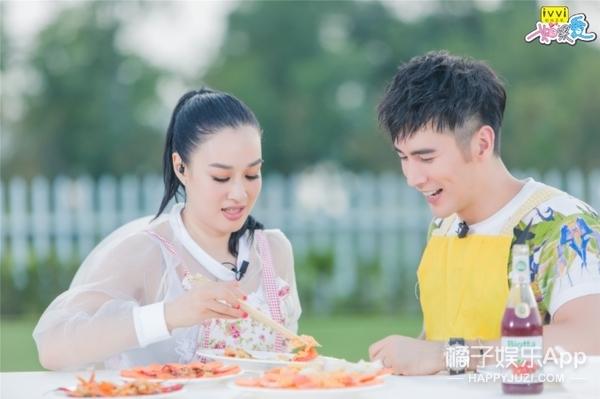 有两段婚姻三个女儿的钟丽缇被张伦硕求婚了!俩人相差12岁!