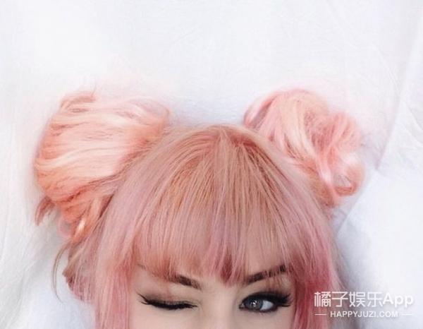 泰妍又有新造型  彩色丸子头超吸睛!