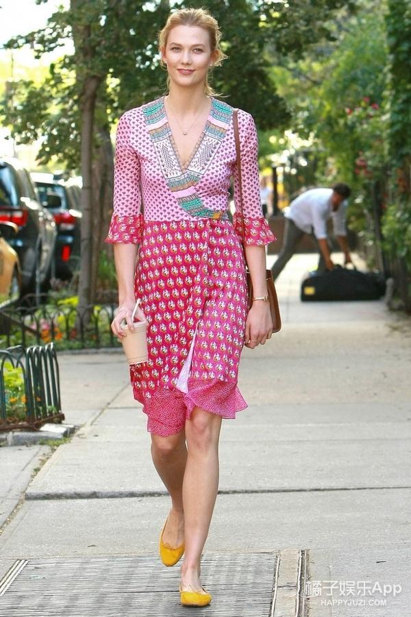 KK一件裹身裙穿得面若桃花红,比这更美的还有这么多呢!