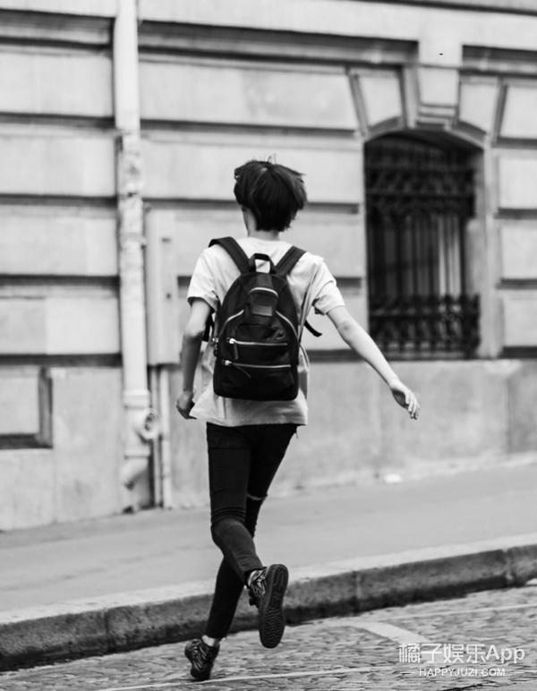 在巴黎奋斗的中国青春 | 人肉跟拍超模王晨铭12小时