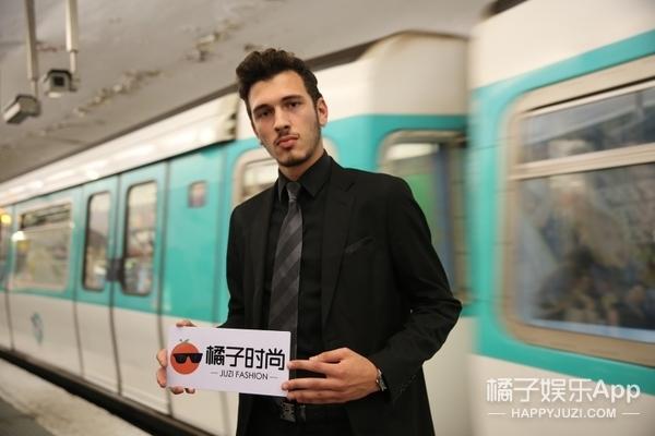 巴黎地铁帅哥 | 我们不关心时装周 我们只热爱时装!