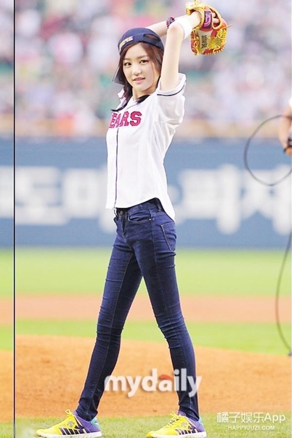 从清纯到性感,俘获女明星的竟然是这件职业棒球服!