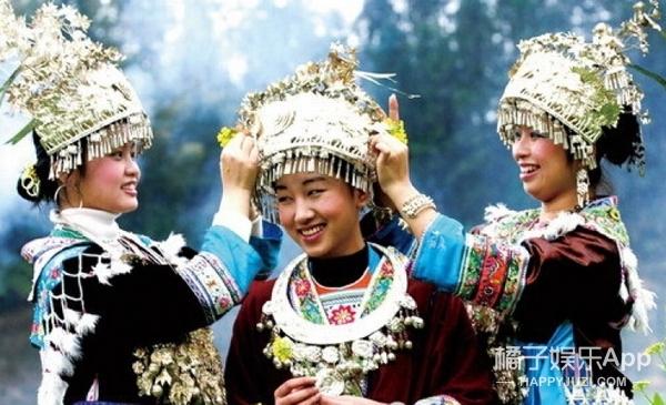 """赵薇范冰冰都在戴的苗族银饰,这才是属于我们中国的""""高级定制"""""""