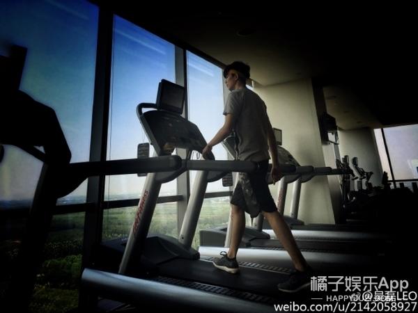 """【明星同款】""""小飞流""""吴磊健身太man,迷妹们都在哪里!"""