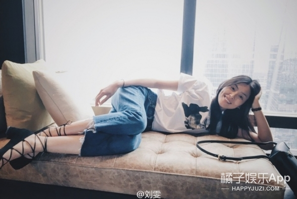 【一周明星同款】 刘雯侧躺照太性感,吴亦凡机场秀又太帅,这可咋办!