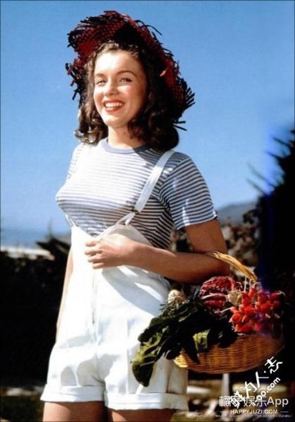 我们给玛丽莲·梦露梳了丸子头、戴了choker,结果竟然是这样!