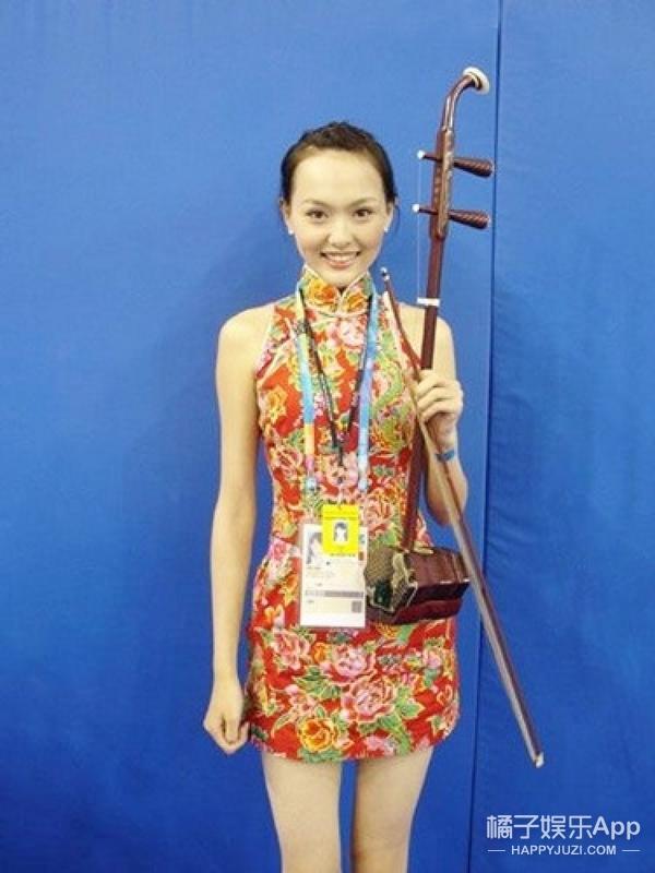 唐嫣竟然还参加过北京奥运的访谈节目,好青涩的糖糖啊!