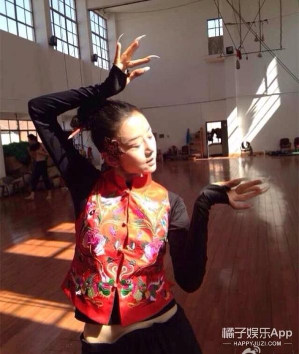 杨丽萍老师,你这张脸对得起58岁的年龄吗!