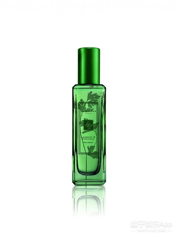 还不知道你用的香水烂大街了吗?选一款小众香水让你不撞香!