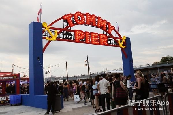 看了GiGi联名款,还在游乐场一日游,我们去了全纽约最好玩的一场秀!