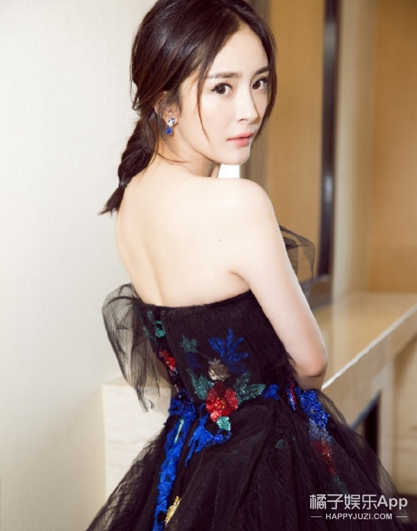 【今天TA生日】杨幂:不光内心强大爱自黑,暖心也是她的闪光点