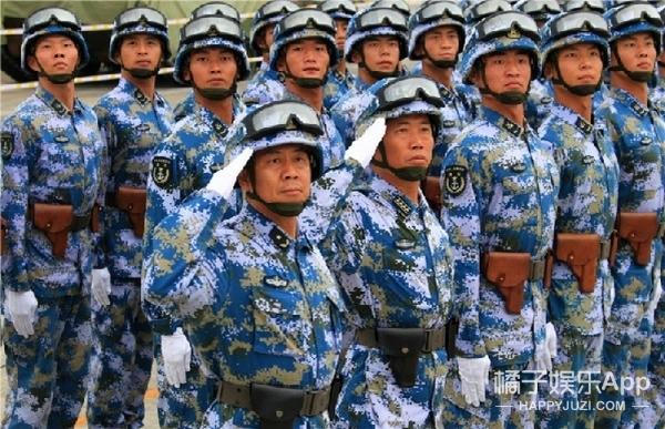 《真正的男子汉》公布杨幂军装照,你猜是不是素颜?