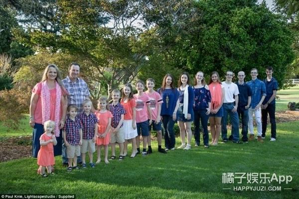 澳最大家庭16个孩子 每天有30公斤脏衣服