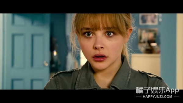 这位19岁好莱坞女孩拍了55部影视作品后想息影,过气了?