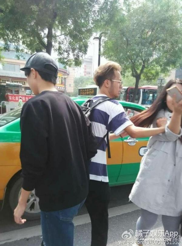 打滴滴、坐蹦蹦、勤俭持家、温柔老派,王俊凯也太接地气了吧!