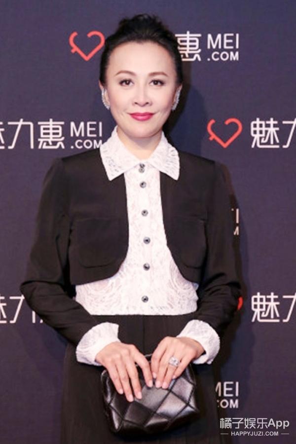 刘嘉玲网购也能秀恩爱?活动开幕式上她却逛起了街来!
