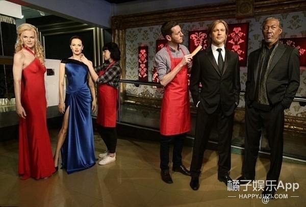 """纽约蜡像馆把皮特、朱莉的蜡像分开了,还在中间放了个""""第三者"""""""