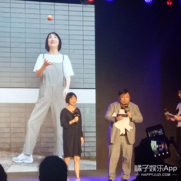 记者追问ab是否怀孕,黄晓明没承认也没否认:谢谢大家关心!