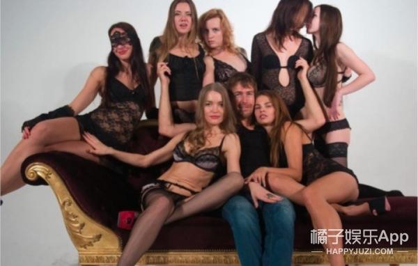 为了安慰离婚的皮特,这位性爱大师声称要贡献出自己的女儿们
