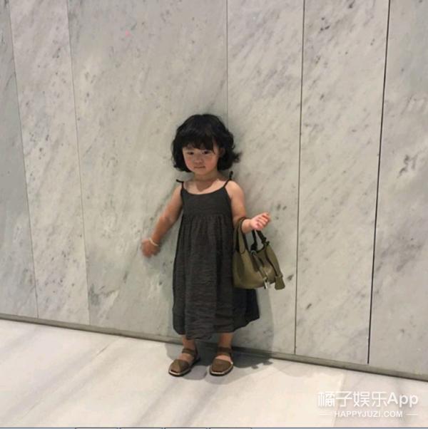 高颜值大长腿爸爸,加上呆萌女儿,韩国这父女俩要逆天了!
