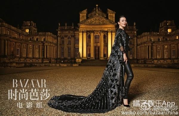 【时装片】骑手装、露背礼服…刘嘉玲的古堡行原来是来惊艳众生的!