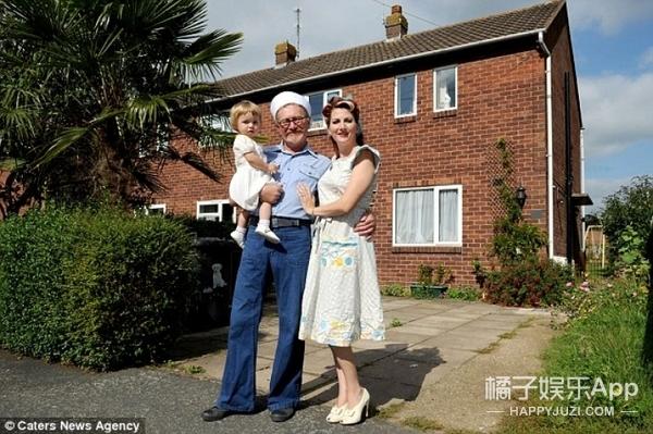 一家人痴迷复古,活得就像上世纪40年代