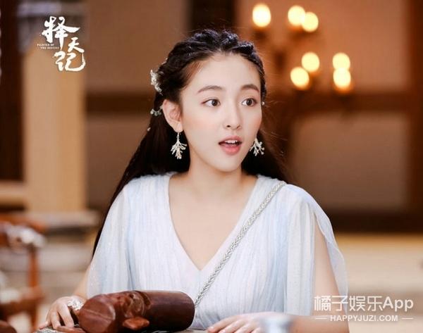 小赵默笙新剧叫《这个世界不看脸》,那是因为她本来就好看吧!
